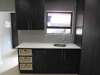 Kitchen by DG Construction, Minimalist