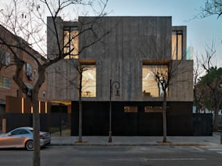 Casa Concreto: Casas de estilo  de RUBÉN MUEDRA ESTUDIO DE ARQUITECTURA