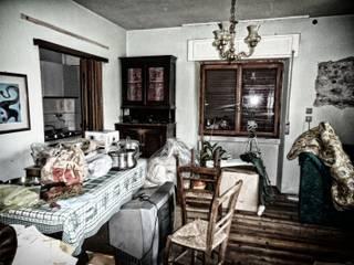 Casa F+L:  in stile  di tiziano de cian