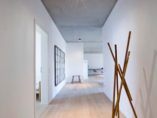 Apartment JT by INpuls interior design & architecture Minimalist
