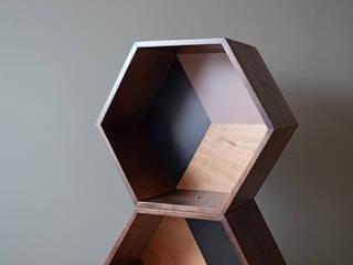 PANAL ON WOOD:  de estilo  por APOTEMA Estudio de Diseño