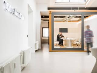 Advertising agency McCANN Germany INpuls interior design & architecture Moderne Geschäftsräume & Stores