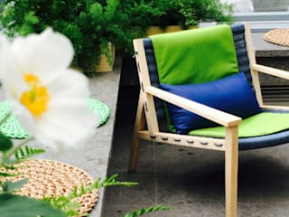 Touch the green, feel the colors: Terrazza in stile  di Barbara Negretti  - Garden design -