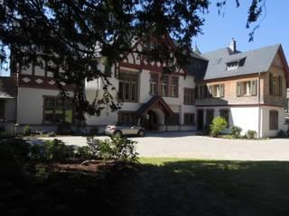 Sanierung Villa Schuster Klassische Häuser von Neugebauer Architekten BDA Klassisch