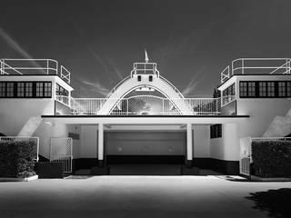 Photographies d'architecture: Piscines  de style  par François Guillemin