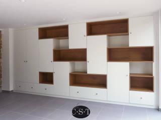 Cuartos de estilo minimalista de La C.S.T Minimalista