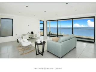 Light and spacious apartment Salas de estilo minimalista de THE FRESH INTERIOR COMPANY Minimalista