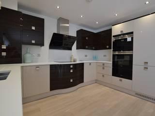 2 Bedroom Apartment Cocinas de estilo minimalista de THE FRESH INTERIOR COMPANY Minimalista