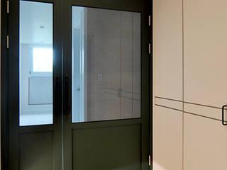 Puertas y ventanas de estilo moderno de JMdesign Moderno