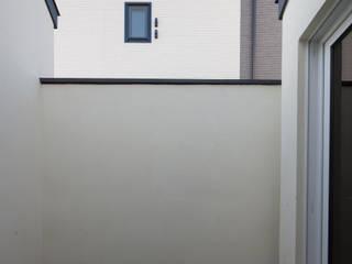용인 흥덕 고양이 마당을 품은 ㄱ자집 모던스타일 미디어 룸 by 리슈건축 모던