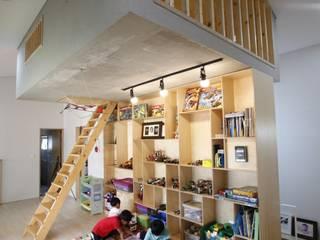 통영 도마집 (도서관을 품은 마당집) 모던스타일 미디어 룸 by 리슈건축 모던