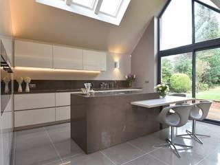 Bamford Kitchen Project Modern kitchen by Diane Berry Kitchens Modern