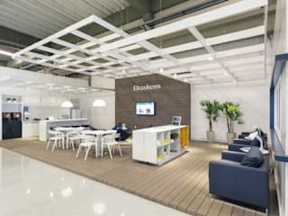 Commercial Spaces by Stefani Arquitetura, Modern