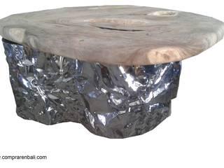 mesa de acero y madera antigua por comprar en bali Eclético