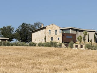 farmhouse restructuring GIAN MARCO CANNAVICCI ARCHITETTO Country house