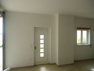 Atádega Sociedade de Construções, Lda Garage/Rimessa minimalista Bianco