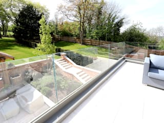 Winter Hill IQ Glass UK Modern windows & doors