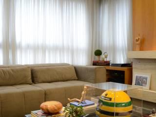 APARTAMENTO: Salas de estar  por Nátaly Ely Arquitetura