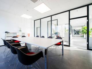 Besprechungsraum :  Bürogebäude von Innenarchitekturbüro Jürgen Lübcke