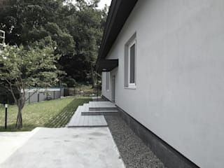 Asan studio house 모던스타일 주택 by small-rooms association 모던