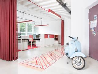 Ruang Studi/Kantor Minimalis Oleh mori Minimalis