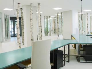 Di Origine Progettuale DOParchitetti Офисные помещения и магазины Дерево Белый