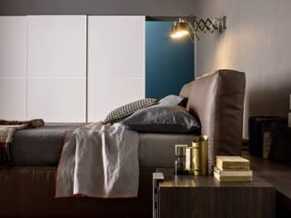 Phòng ngủ phong cách hiện đại bởi Livarea Hiện đại