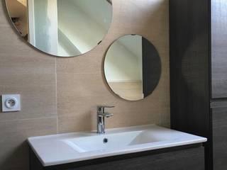 Rénovation d'un appartement familial à Cran-Gevrier, Haute Savoie:  de style  par INDEKOR