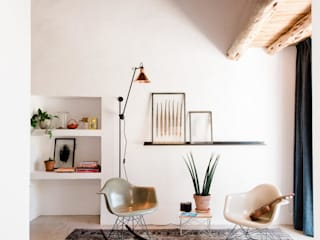 Ibiza Campo - Guesthouse:  Living room by Ibiza Interiors - Nederlandse Architect Ibiza