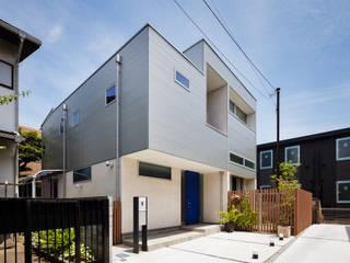 設計事務所アーキプレイス Casas estilo moderno: ideas, arquitectura e imágenes Hierro/Acero Metálico/Plateado