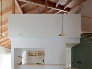 Modern living room by 池田雪絵大野俊治 一級建築士事務所 Modern