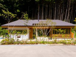 Case in stile  di エイチ・アンド一級建築士事務所 H& Architects & Associates