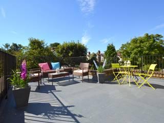 Two bedroom period apartmnt Balcones y terrazas de estilo moderno de THE FRESH INTERIOR COMPANY Moderno