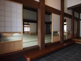 秦野の家 オリジナルスタイルの 玄関&廊下&階段 の 株式会社クリエイション オリジナル