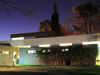 CASA RBL - Estudio FERNANDEZ+MEGO Casas minimalistas de Estudio Fernández+Mego Minimalista