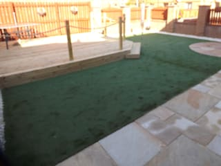 Garden patio living area,:  Garden by Bradshaw contracts ltd