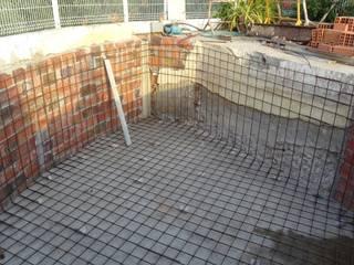 Atádega Sociedade de Construções, Lda Mediterranean style pool Iron/Steel