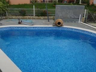 Atádega Sociedade de Construções, Lda Mediterranean style pool Reinforced concrete
