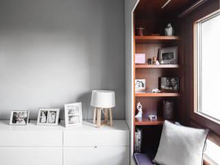 Dormitorios de estilo  de Estúdio AMATAM
