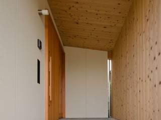 七郷の平屋 ラスティックスタイルの 玄関&廊下&階段 の FrameWork設計事務所 ラスティック