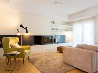 Traço Magenta - Design de Interiores Salas de estilo moderno Beige