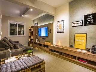 Integrado e para receber Salas de estar modernas por C. Arquitetura Moderno