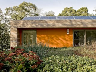 ZeroEnergy Design Rumah Modern Orange