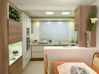 Cozinha com história Cozinhas modernas por C. Arquitetura Moderno