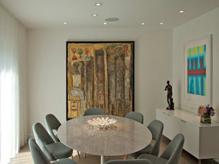 Modern dining room by Hinson Design Group Modern