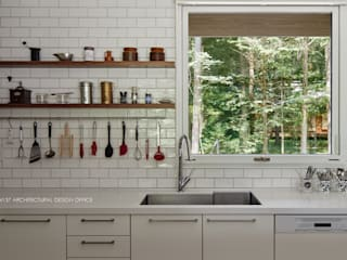 キッチン~041軽井沢Mさんの家: atelier137 ARCHITECTURAL DESIGN OFFICEが手掛けたキッチンです。