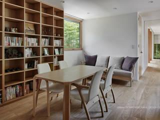 フリースペース~041軽井沢Mさんの家: atelier137 ARCHITECTURAL DESIGN OFFICEが手掛けた書斎です。