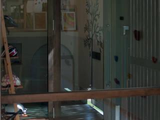 おやまっのいえ ラスティックスタイルの 玄関&廊下&階段 の FrameWork設計事務所 ラスティック