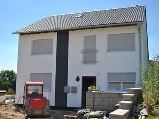 منازل تنفيذ Froese Dach