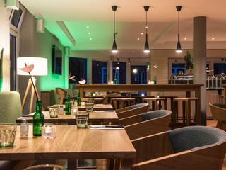 Hoteleinrichtung BAUR WohnFaszination GmbH Moderne Gastronomie Holz Braun